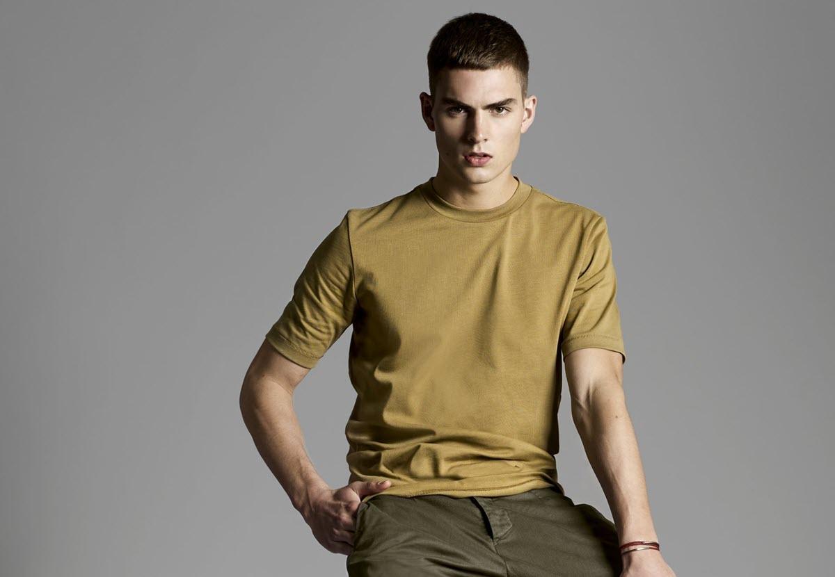 Mannelijk Model In Yoost Clothing